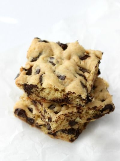 Kids can easily bake these cookie bars using cake mix