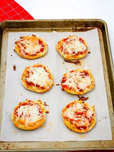 These english muffin pizzas are a simple kid-friendly recipe